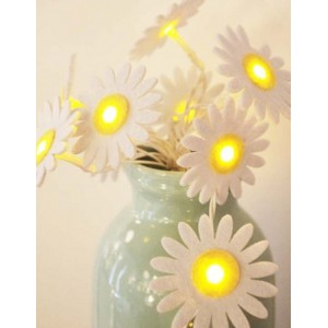 Daisy Felt String Lights (Batteries Not Included)